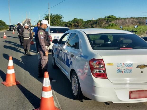 Operação 'Táxi Seguro' foi realizada na tarde desta quinta-feira (19) (Foto: Divulgação/ Sesed)