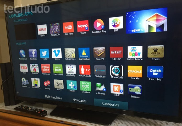 """Na página de aplicativos da sua Smart TV da Samsung escolha """"Categorias"""" (Foto: Lucas Mendes/TechTudo)"""
