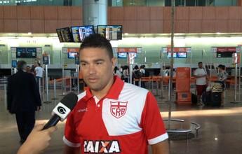 Após sete meses afastado, Glaydson viaja com o CRB para pegar o Ceará