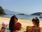 Daniella Sarahyba posta foto na praia com as filhas: 'Minhas paixões'