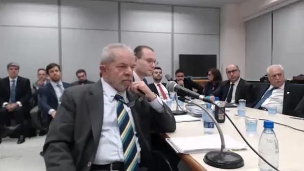 O ex-presidente Lula durante depoimento ao juiz Sérgio Moro em processo sobre tríplex no Guarujá (Foto: Justiça Federal do Paraná)