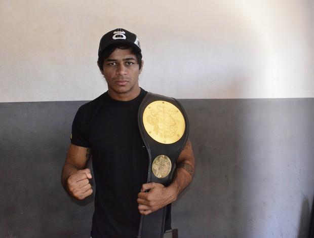 Tiago Trator, campeão dos pesos leves do Jungle Fight (Foto: Cassio Albuquerque/GE-AP)
