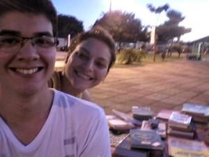 Daniel e Natali pretendem criar uma livraria (Foto: Daniel Amorim] Arquivo Pessoal)