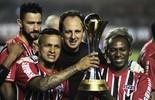 Mineiro enche a bola de Ceni e não se considera herói do título de 2005 (Marcos Ribolli)