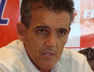 Paulo Roberto Santos, técnico do América (Foto: Alan Schneider/GLOBOESPORTE.COM)
