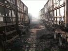 Sete caminhões são destruídos após incêndio em posto de combustíveis