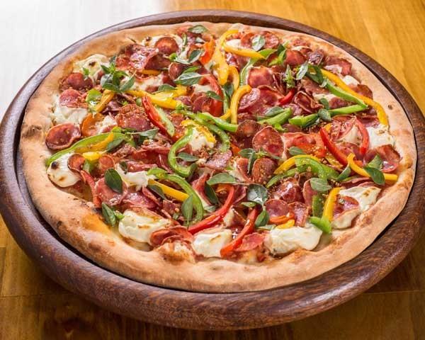 Pizza de calabresa com pimentão (Foto: Gladstone Campos)