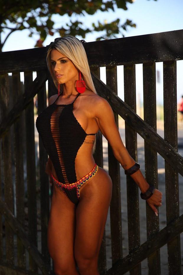Janaina Santucci posa para novo ensaio (Foto: Davi Borges / MF Models Assessoria )