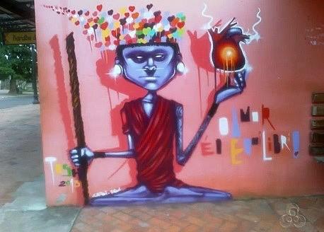 Obras são vistas em muros no centro da cidade e resgatam etnias dos povos da floresta (Foto: Bom dia Amazônia)