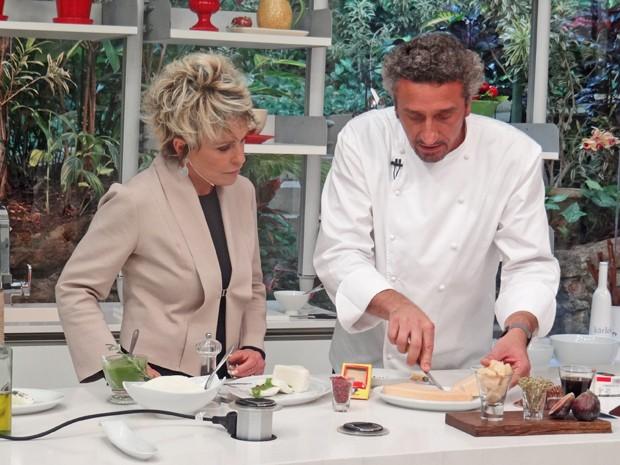 Chef Emmanuel Bassoleil cozinha no Mais Você (Foto: Mais Você / TV Globo)