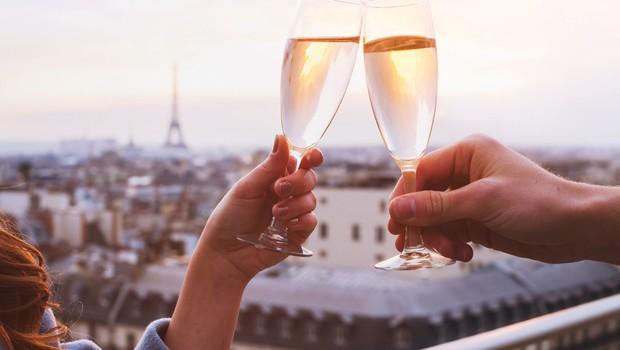 Paris, brinde, taças, riqueza, champagne (Foto: Thinkstock)