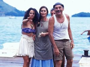 Sebastião Vasconcellos como Floriano, ao lado de Denise Milfon e Lu Mendonça em Mulheres de Areia (Foto:  TV GLOBO / Divulgação)