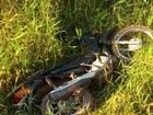 PM encontra moto abandonada em matagal de Rolim de Moura