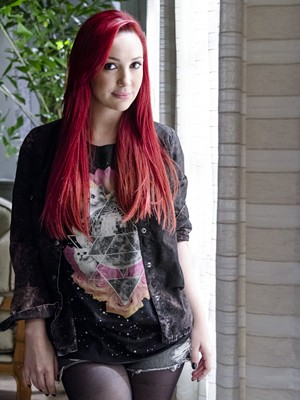 Josie Pessoa conta que seu cabelo vermelho já fazia sucesso mesmo antes da novela estrear (Foto: Divulgação/TV Globo)