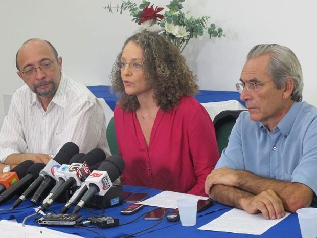 Luciana Genro durante o anúncio da posição que o PSOL adotará na disputa do segundo turno (Foto: Caio Prestes / G1)