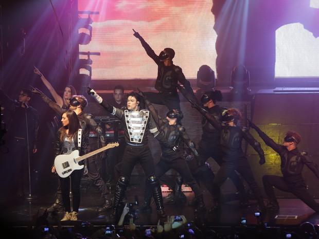 Espetáculo Tributo ao Rei do Pop relembra sucessos de Michael Jackson (Foto: Divulgação)