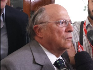 Jurista Miguel Reale Jr. deu entrevista após o registro do novo pedido de impeachment contra a presidente Dilma Rousseff (Foto: Rosanne D´Agostino/G1)