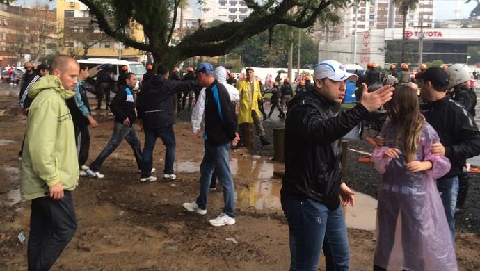 gre-nal gremio torcida chegada beira-rio (Foto: Diego Guichard/GloboEsporte.com)