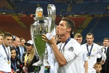 Cristiano Ronaldo Real Madrid Liga dos Campeões taça (Foto: AFP)