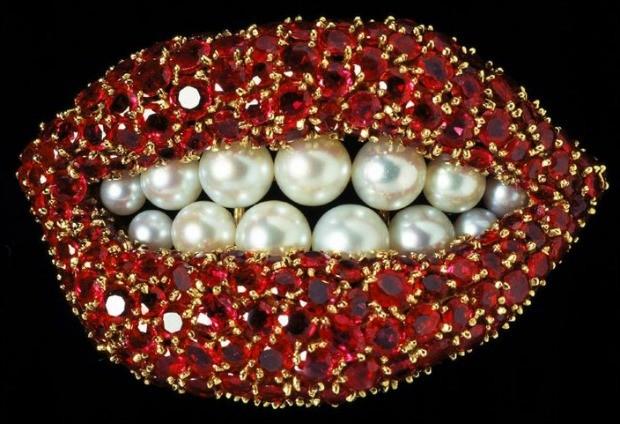 Jia criada pelo surrealista inspirada nos lbios da atriz norte-americana Mae West. (Foto: Reproduo )