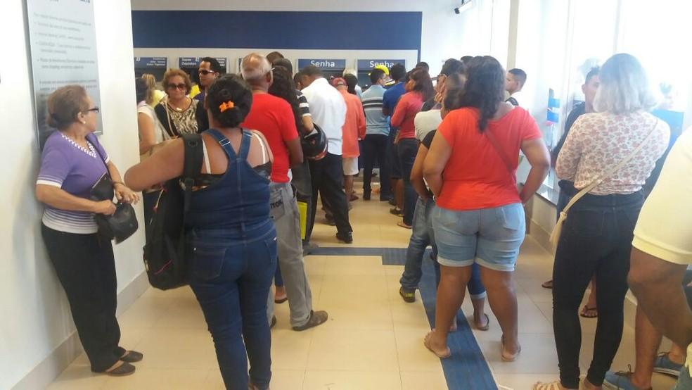 Estão aptos a sacar o FGTS no Amapá mais de 10 mil trabalhadores nascido entre junho e agosto (Foto: Jorge Abreu/G1)
