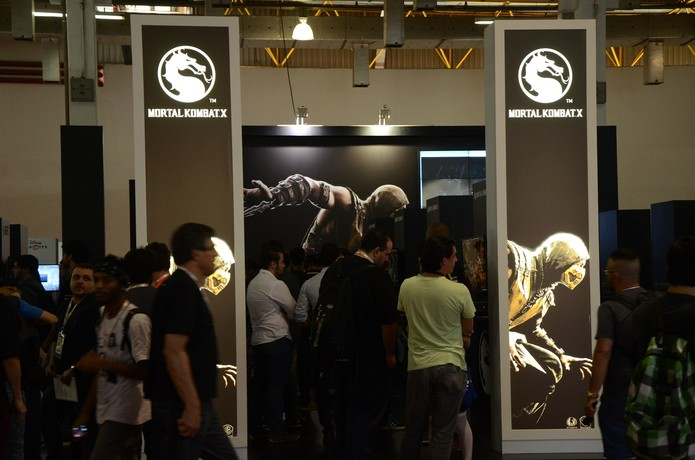 Mortal Kombat X está levando milhares de jogadores ao estande da Warner na BGS 2014 (Foto: Matheus Vasconcellos/ TechTudo)