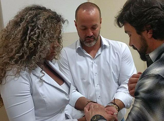 Padre Fabio de Melo abençoa casamento de Adelia e Alexandre (Foto: Reprodução/Instagram)