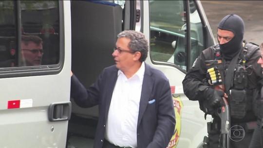 Ex-marqueteiro do PT João Santana e mulher são condenados na Lava Jato