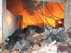 Incêndio destrói almoxarifado da Prefeitura de Itaboraí, no RJ