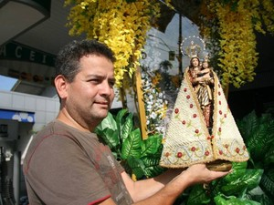 Gilmar cosme berlinda círio de nazaré belém (Foto: Claudio Pinheiro/ Amazônia)