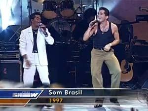 João Paulo & Daniel em apresentação de 1997 (Foto: Reprodução/TV Globo)