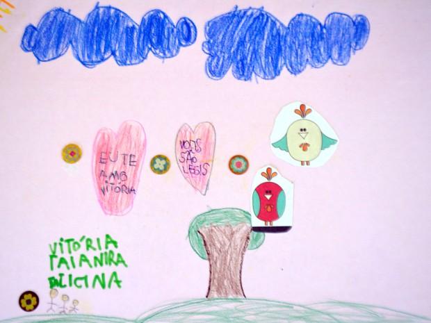 Desenho feito por criança em abrigo de Campinas (Foto: Murillo Gomes / G1)