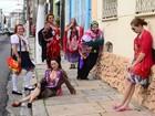 Cuíra apresenta espetáculo teatral dentro de ônibus, em Belém