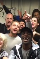 Elenco de 'Sense8' grava vídeo agradecendo o Brasil