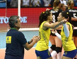 Zé Roberto Gabi Carol Vôlei Brasil (Foto: Alexandre Arruda / CBV)
