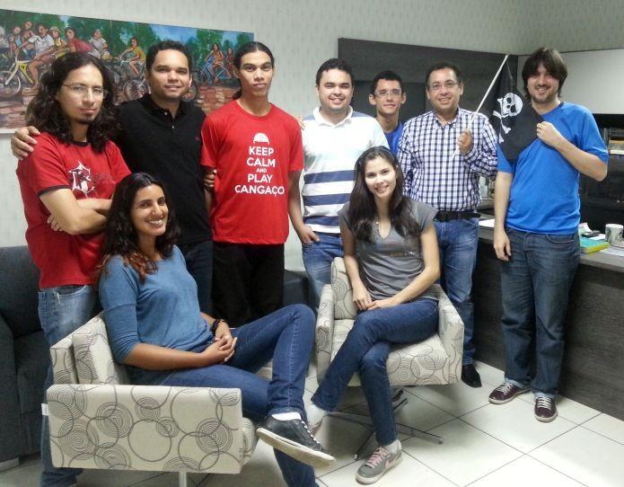 Equipe da Sertão Games, com Jenifer Costa mais ao certo, à direita (Foto: Divulgação)