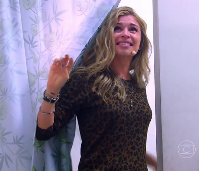 Grazi ficou muito emocionada (Foto: TV Globo)