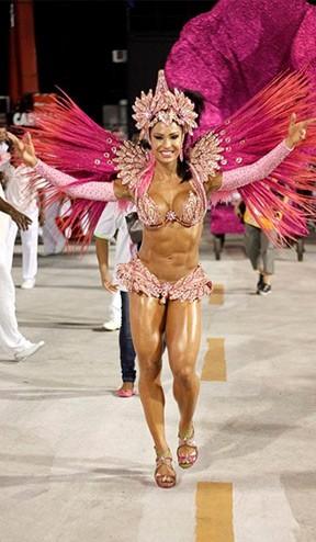 Gracyanne Barbosa - Unidos do Jacarezinho (Foto: Marcos Ferreira Foto Rio News)