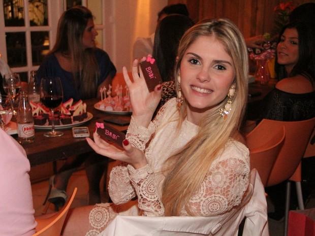 Bárbara Evans em sua festa de aniversário em restaurante no Rio (Foto: Rodrigo dos Anjos/ Ag. News)