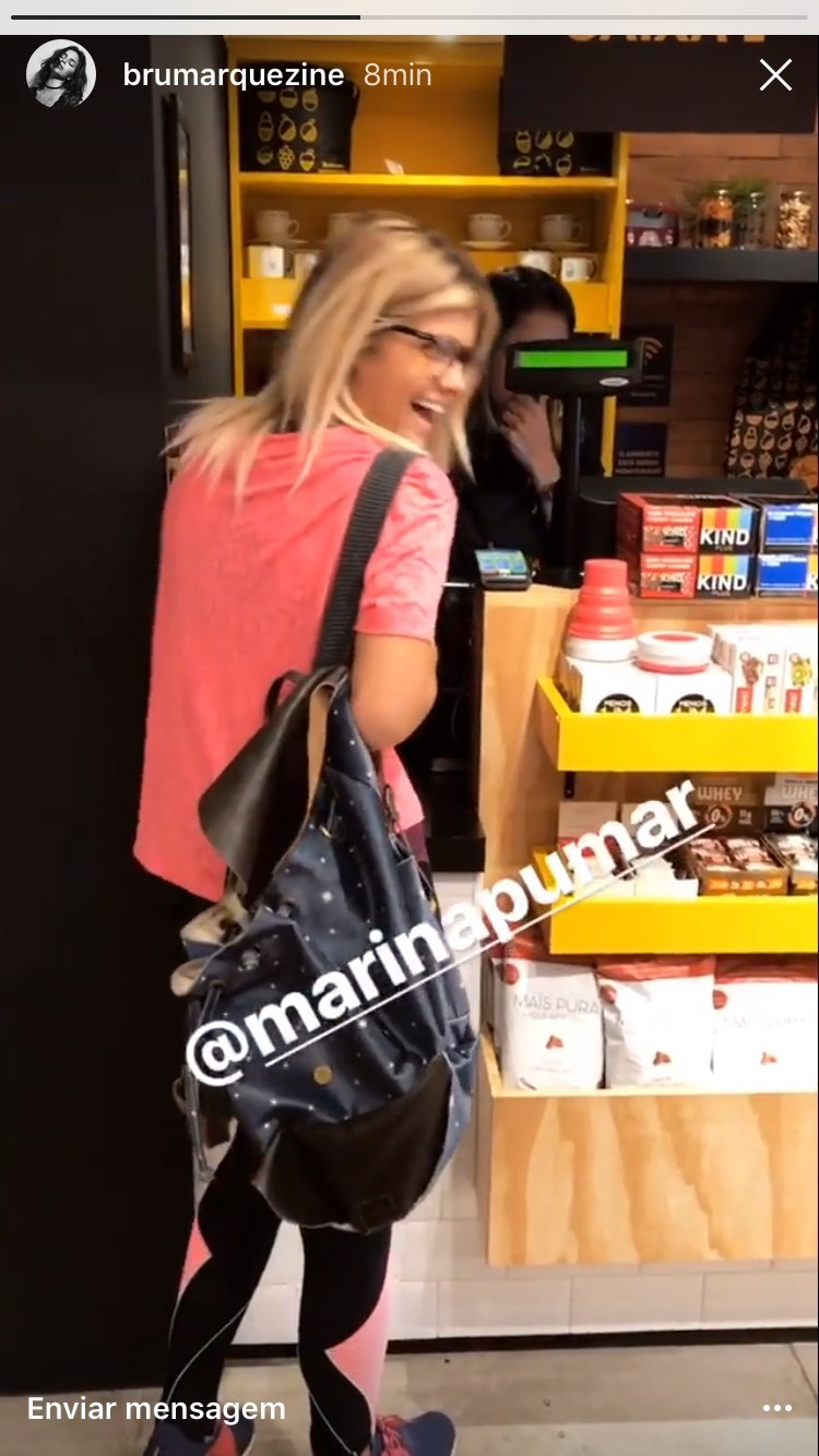 Marina Pumar em flagra de Bruna Marquezine (Foto: Instagram/Reprodução)