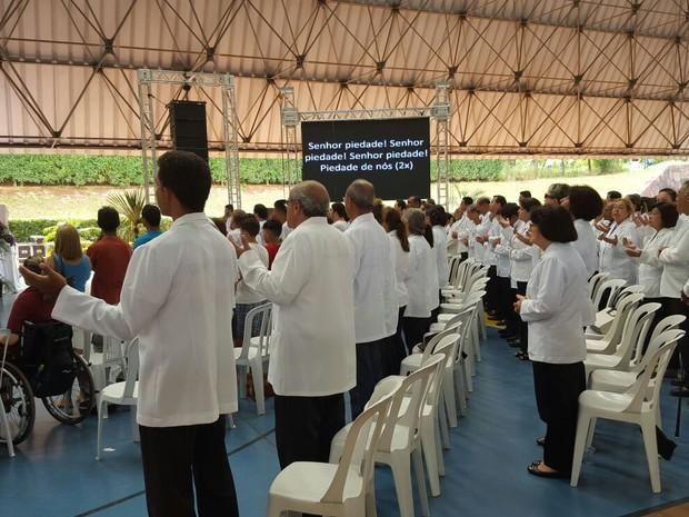 Abertura da Campanha da Fraternidade em Campo Grande reuniu centenas de pessoas (Foto: Edmar Melo/TV Morena)