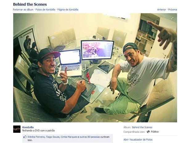 Produtor Kondzilla postou uma foto sua com Chorão em sua página no Facebook (Foto: Reprodução)