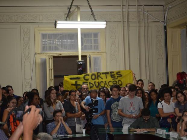 Alunos da Uerj estivavam presentes na Alerj (Foto: Adauto de Carvalho / Divulgação)