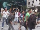 Índios interrompem trânsito durante protesto em Santos, no litoral de SP