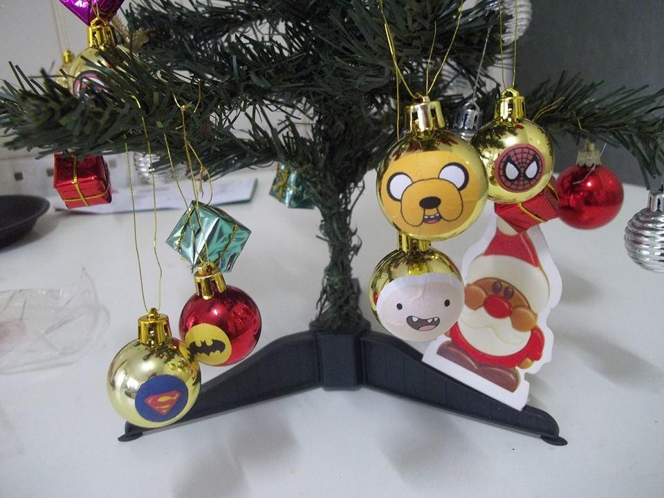 Bolinhas de Natal com personagens de desenho (Foto: Karina Gonçalo Ramos)
