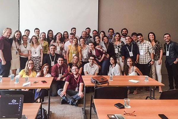 Profissionais reunidos no Uniglobo presencial  (Foto: Reprodução Redes Sociais)