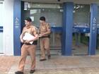 Criminosos invadem e roubam agência bancária em universidade