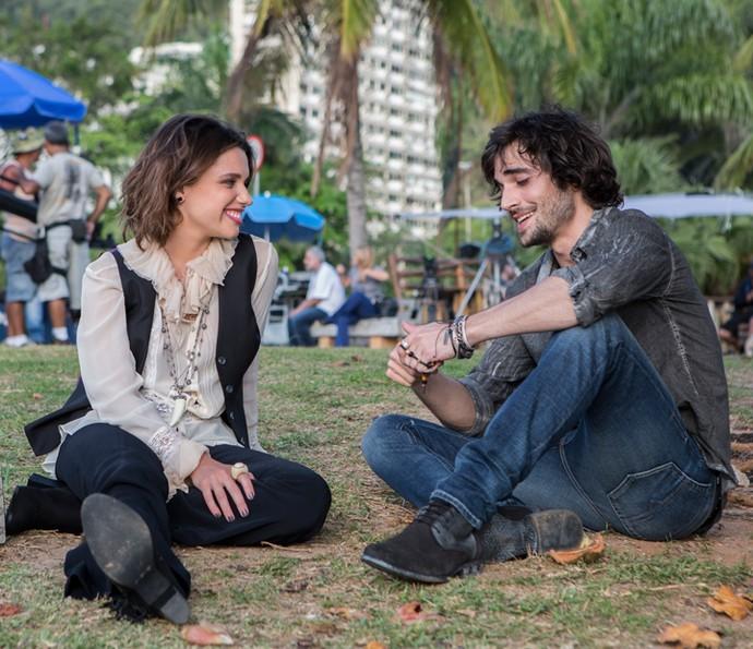 Bruna Linzmeyer e Fiuk gravando como o casal Cibele e Ruy (Foto: Fábio Rocha/Gshow)