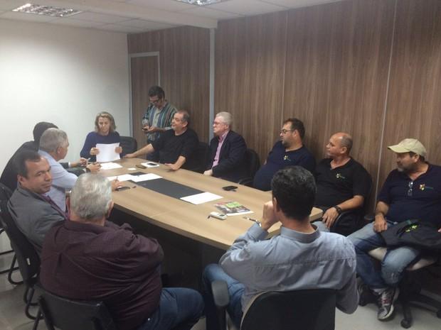 Reunião no Ministério do Trabalho ocorreu na tarde desta terça (31) (Foto: Larissa Vier/RBSTV)