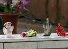 Moradores visitam túmulo de Joaquim (Márcio Meireles/EPTV)